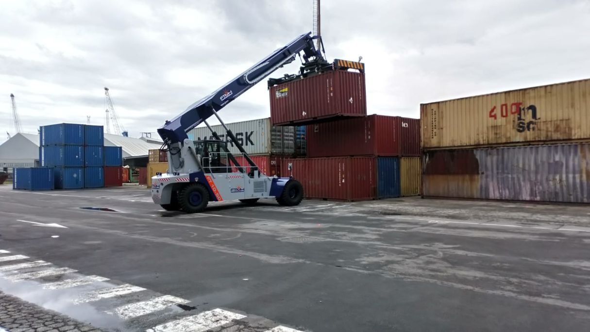 Reach Stacker FT4565PB for full containers & swap bodies