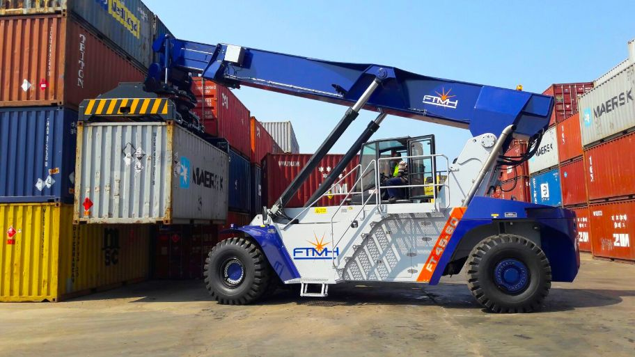 Reach Stacker FT4560 for full containers