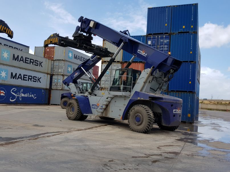 Reach Stacker FT4565 for full containers